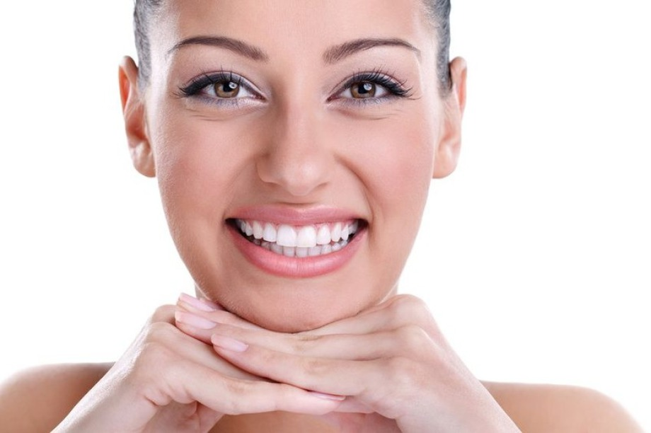 Aber auch die kosmetische Hautverjüngung mittels Dermabrasion, Mesotherapie, Laser und Pflegeprodukten helfen. Lassen Sie sich durch uns beraten welche Produkte und Verfahren, ggf. auch in Kombination